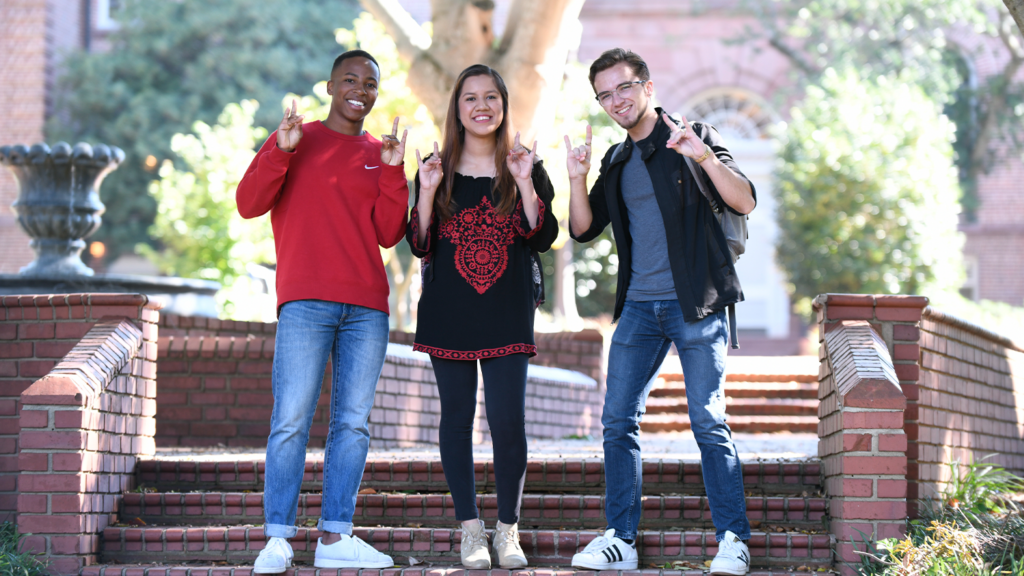 Students enjoy a warm fall day at Mary Yarborough court on main campus.